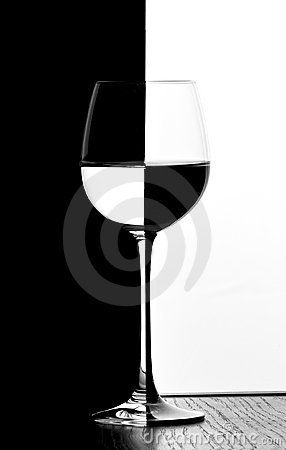 Domino wine glass