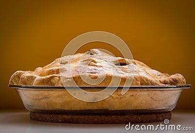 Domowej roboty jabłczany kulebiak