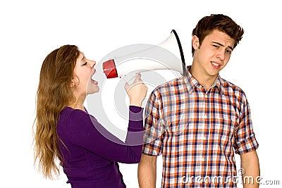 Donna che grida all uomo
