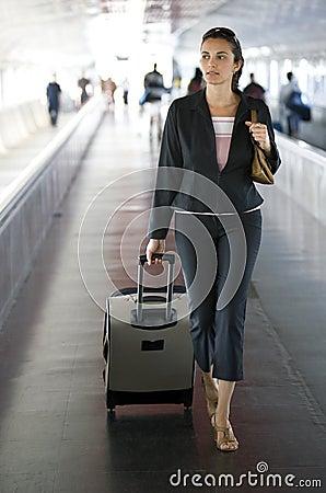 Donna dell aeroporto