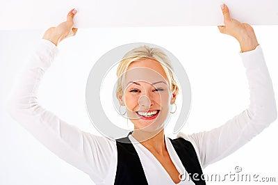 Donna di affari che tiene un billbo