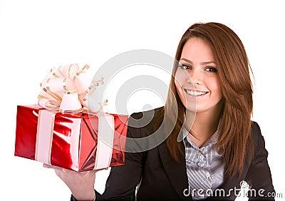 Donna di affari con la casella di colore rosso di natale.