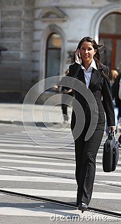 Donna di affari nella città