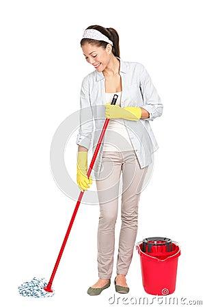 Donna di pulizie di primavera