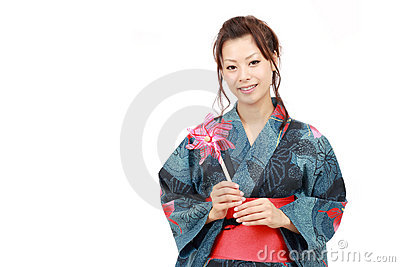 Donna giapponese in vestiti del kimono fotografie stock for Vestito tradizionale giapponese femminile