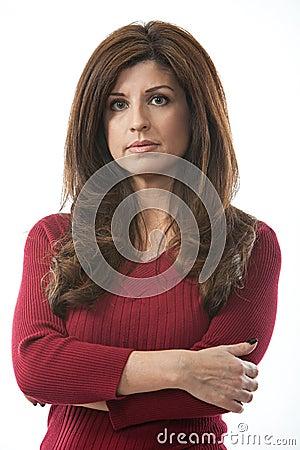 Donna ispanica attraente nei suoi gli anni quaranta