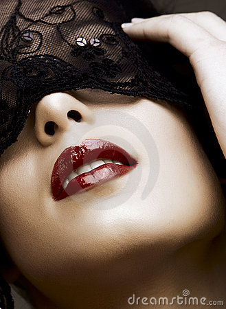 Donna nella mascherina