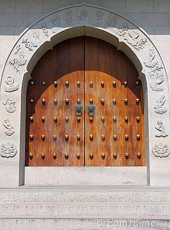 Free Door Handle At Jing An Temple Stock Photo - 635290