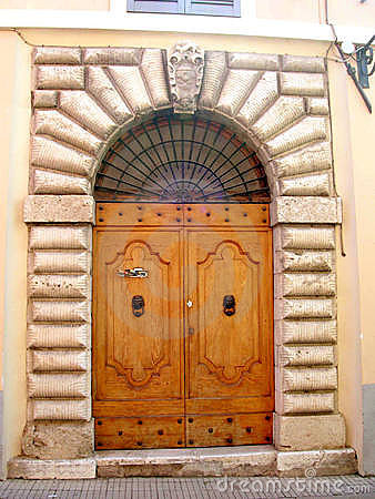 Free Door In Italy Royalty Free Stock Photo - 3875705