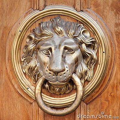 Free Door Knocker, Handle -  Lion Head Royalty Free Stock Images - 32402339