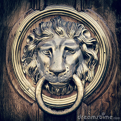 Free Door Knocker, Handle - Lion Head. Vintage Stylized. Royalty Free Stock Image - 43838796