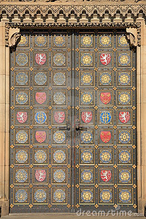 Free Door Of Vysehrad Cathedral Royalty Free Stock Images - 5258959