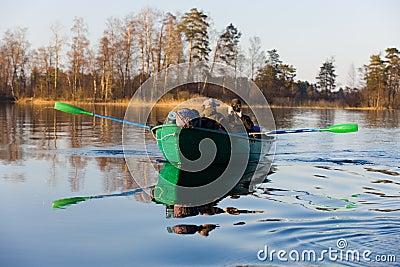 Dos en un barco