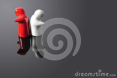 Dos figuras que dan vuelta los suyos mueven hacia atrás en uno a