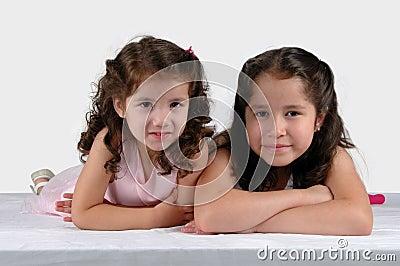 Dos hermanas se cierran juntas