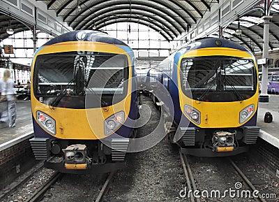 Dos trenes