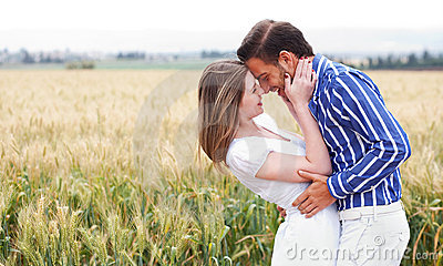 Dostaje romans zamknięta para