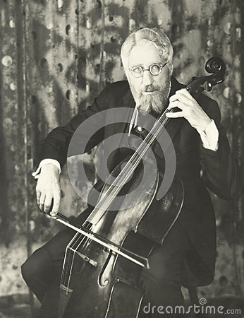 Free Double Bassist Royalty Free Stock Image - 58627786