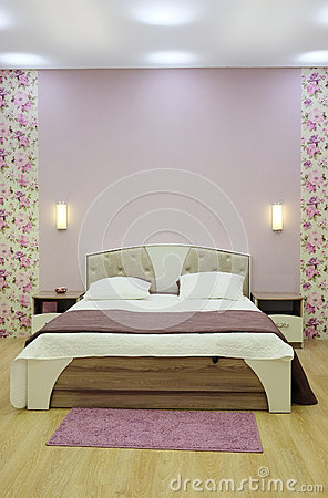 Free Double Bed Royalty Free Stock Photography - 48263357