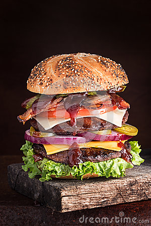Free Double Cheeseburger Deluxe Stock Image - 50618341
