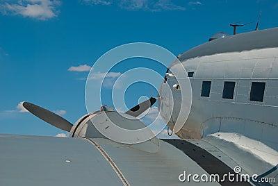 Douglas R4D Skytrain - Propeller Airplane
