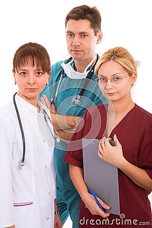 Doutor com sua equipa médica nova