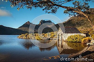Dove Lake. Cradle Mountain. Tasmania. Australia.