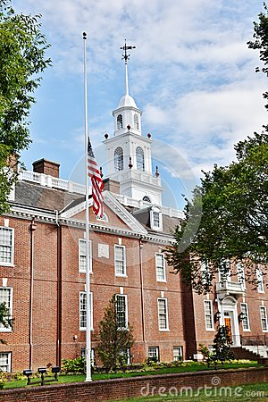 Free Dover Delaware State Legislative Hall Half Mast Royalty Free Stock Photography - 79600257