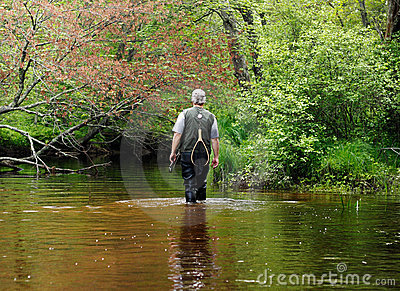 Downstreams περπάτημα ψαράδων