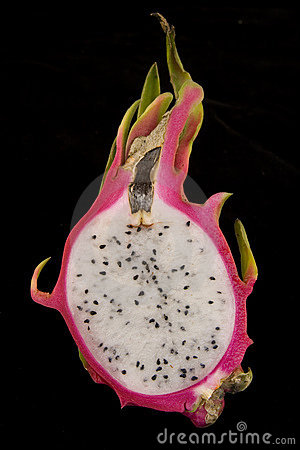 Free Dragon Fruit Cut In Half Showing Seeds Royalty Free Stock Photography - 5515367