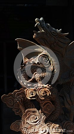 Free Dragon Sculpture In Black Stock Image - 103416571