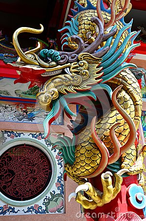 Free Dragon Statue At Chinese Temple Of Thailand Royalty Free Stock Photos - 40037488