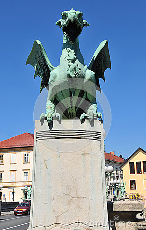 Free Dragon Statue On Dragon S Bridge, Ljubljana, Slovenia Stock Photography - 58818202