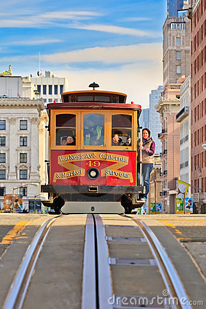 Drahtseilbahn in San Francisco Redaktionelles Bild