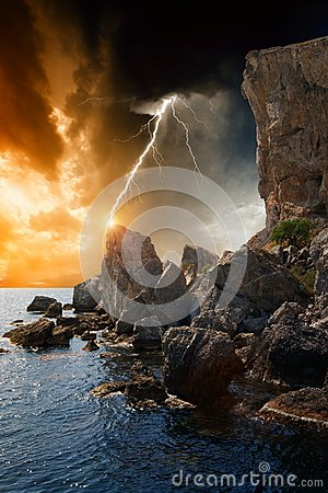 Free Dramatic Nature Background Royalty Free Stock Images - 28145799