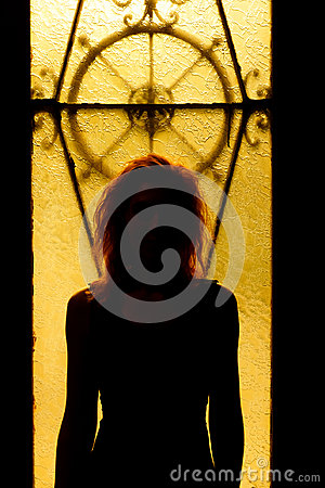 Free Dramatic Portrait Of A Charming Woman In The Dark. Dreamy Female Royalty Free Stock Image - 98390816