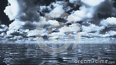 Dramatyczne niebo i woda morska zbiory