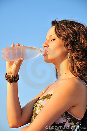 Free Draught Of Cold Water In Hot Day Stock Images - 10498904