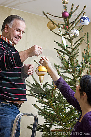 Dressing Christmas tree