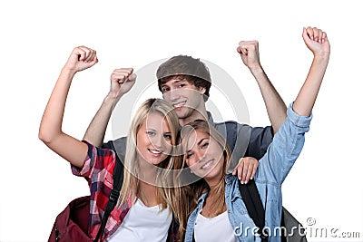 Drie opgewekte studenten