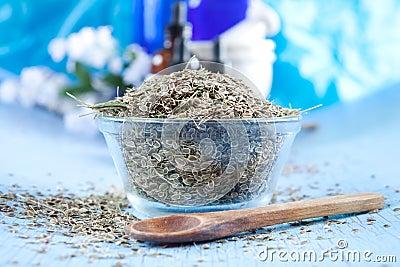 Dried dill seeds