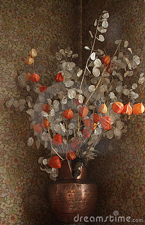 Free Dried  Flowers In A Vase Royalty Free Stock Image - 17327306
