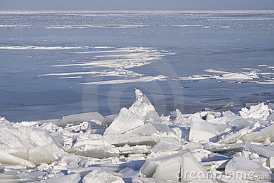 Drifting Ice
