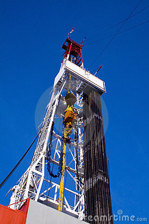 Free Drilling Rig Derrick With Pipe Royalty Free Stock Photos - 3815498