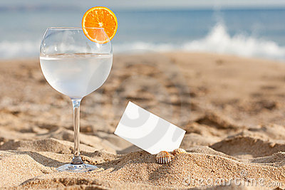 Drink on the bech