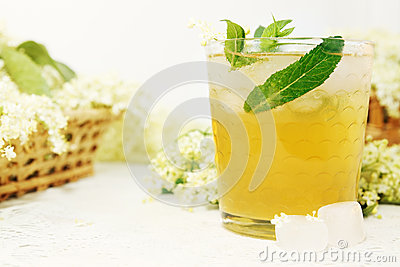 Drink from elder with mint