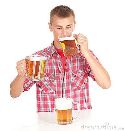 Drinkig man with beer