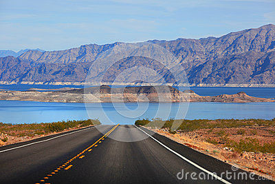 Drive to Lake Mead