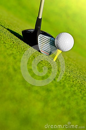 Free Driver And Ball On Tee Royalty Free Stock Photography - 83503307