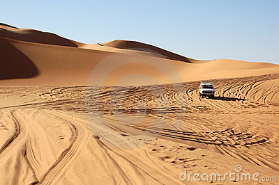 Driving through the Sahara